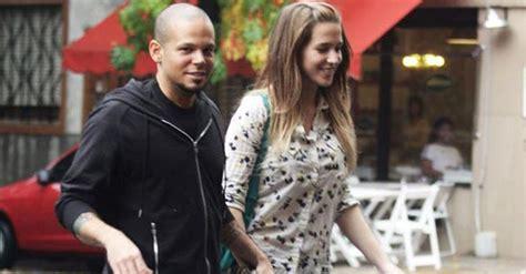 El Rapero De Calle 13 Se Casa Con Modelo Argentina