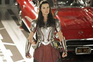 'Agents of S.H.I.E.L.D.' First Look at Lady Sif