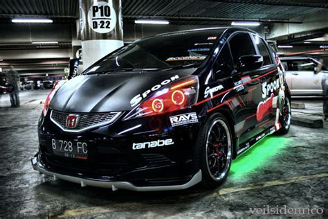 Modification Black by Otomotif Honda Jazz Modification Black Spoon