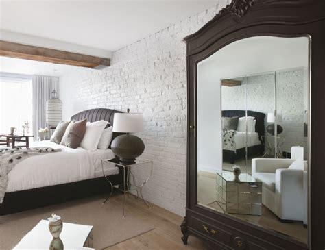 feng shui tips   mirror facing  bed