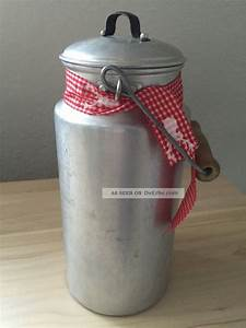 Deko Karton Mit Deckel : alte milchkanne mit deckel holzgriff aluminium 2 liter vintage deko ~ Frokenaadalensverden.com Haus und Dekorationen