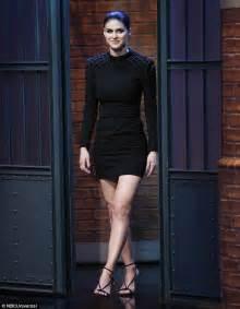 Alexandra Daddario promotes Baywatch on Late Night | Daily ...