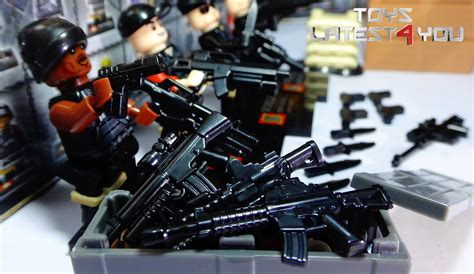 Unboxing Cloned Lego Swat Figure With Realistic Ammo And