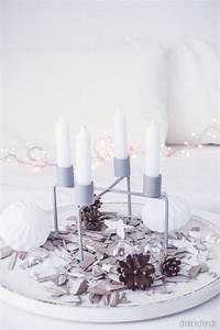 Kerzenhalter Glas Für Stabkerzen : adventskranz inspiration kerzenhalter mit stabkerzen skandinavisch wei schlicht ~ Bigdaddyawards.com Haus und Dekorationen