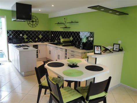 deco cuisine vert photo decoration cuisine noir et vert pomme 9 jpg 712 534