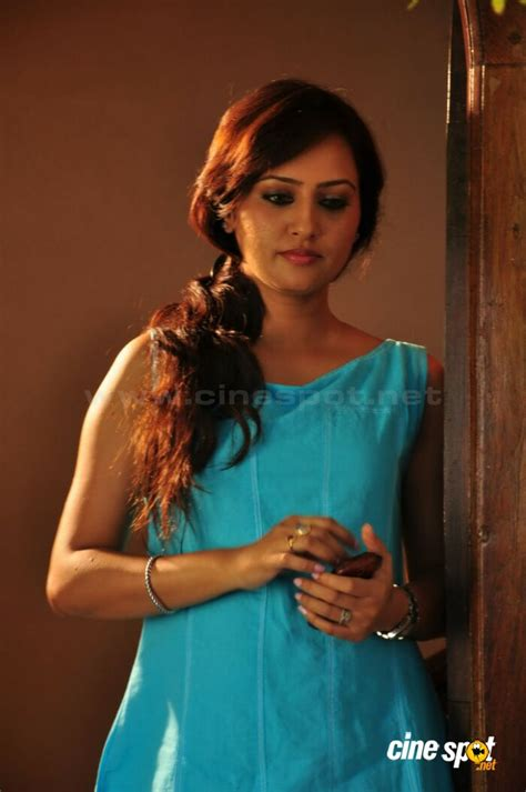 actress kavitha daughter kavitha aaras in daughter of varma 3