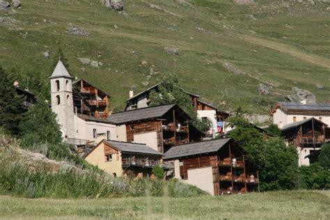 les chalets du villard h 244 tel restaurant logis de v 233 ran queyras hautes alpes