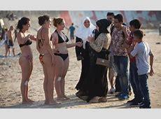 Apa? Wanita Boleh Pakai Bikini di Arab Saudi? Kejadian