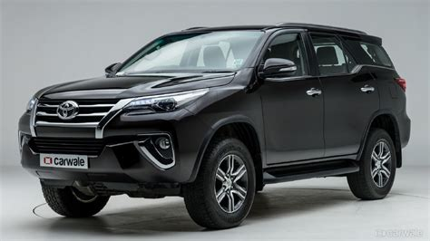 Toyota Fortuner Picture by Toyota Fortuner Photo Left Front Three Quarter Image