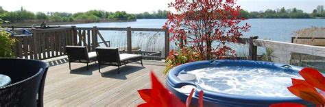 Holidays With Tubs - lodges with tubs tub lodges log cabins with