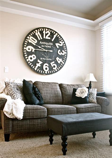 decorate   sofa   attractive ways