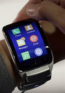 Review  Apple Has Best Smartwatch  But Rivals Have Strengths