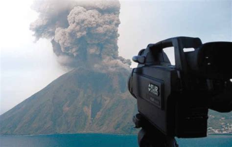 Studying Volcanoes and Volcanic Activity with FLIR Thermal ...