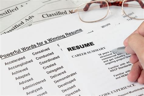 optimizing your resume for the initial 10 second resume scan
