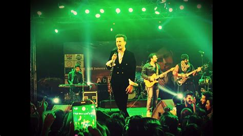 Atif Aslam Performing Live Chords