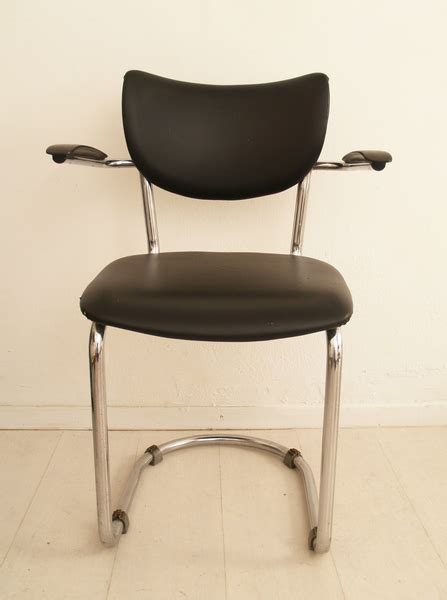 buisframe stoel de wit buisframe stoel eetkamerstoel zwevend bakelieten