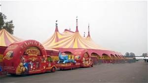 Cirque Pinder Paris 2016 : les cirques s 39 installent sur la pelouse de reuilly le quartier bel air sud ~ Medecine-chirurgie-esthetiques.com Avis de Voitures