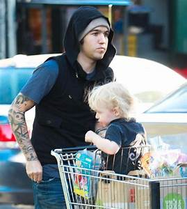 Pete Wentz And His Son Bronx Out Grocery Shopping - Zimbio