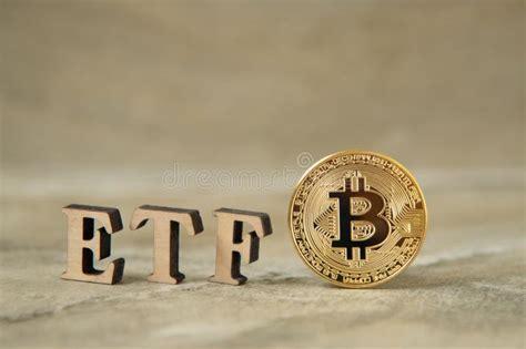 Finam ru bitva za bitcoin cash i novosti etf kriptonovosti i. Bitcoin Coin With ETF Text On Stone Background Stock Image - Image of metal, money: 147180549