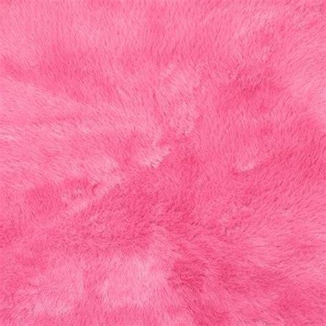 tapis pilepoil en fausse fourrure forme coeur tapis