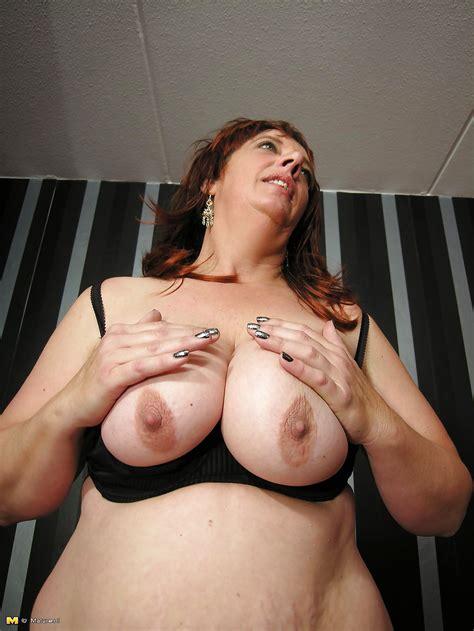 old chubby amateur mom ready for hard fuck 25 bilder