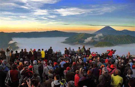 gunung bromo wisata jawa timur  terkenal yoshiwafa