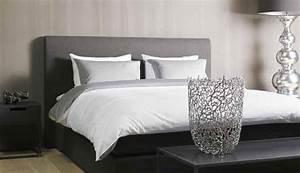 Schlafzimmer In Weiß Einrichten : einrichtungsideen schlafzimmer edles grau und andere farben ~ Michelbontemps.com Haus und Dekorationen