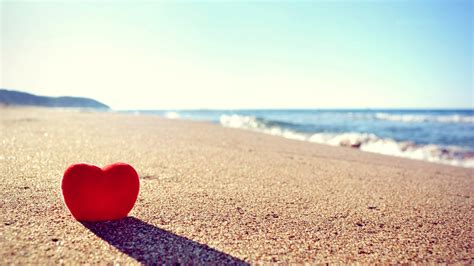 Love Heart On Beach HD Photo Background