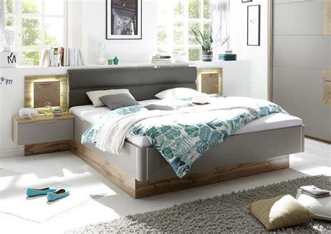 schlafzimmer doppelbett doppelbett nachtkommoden bett ehebett schlafzimmer