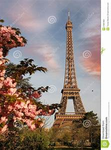 Se Garer Gratuitement à Paris : temps de tour eiffel au printemps paris france image stock image du rougeoyer architectural ~ Medecine-chirurgie-esthetiques.com Avis de Voitures