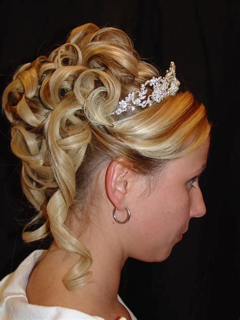 Updo Hairstyles by 27 Beautiful Updo Hairstyles Ideas Inspirationseek