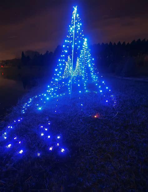 christmas tree blue lights www imgkid com the image kid has it