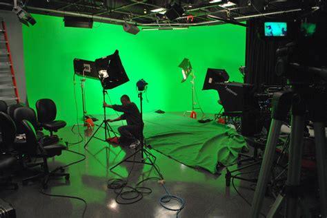 decor bureau pourquoi tourner une vidéo sur fond vert ou bleu