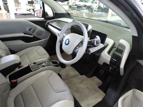 bmw  electric vehicle test drive review pressat