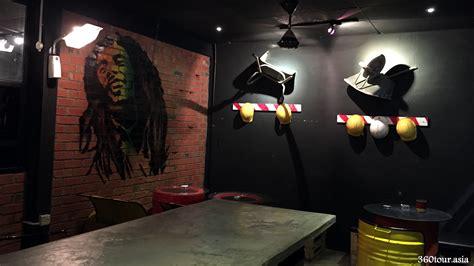 Graffiti Cafe Kopi : Overstepped Cafe Smoking Area