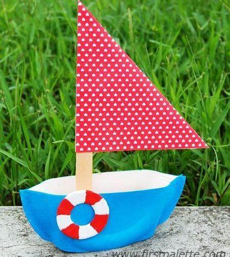 Barco Pirata Reciclado by Un Barco De Papel Con Materiaes Reciclados Piratas