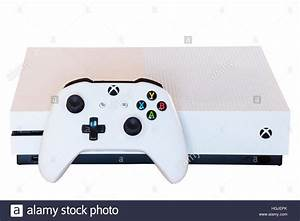 Xbox One Spiele Auf Rechnung : console stockfotos console bilder alamy ~ Themetempest.com Abrechnung