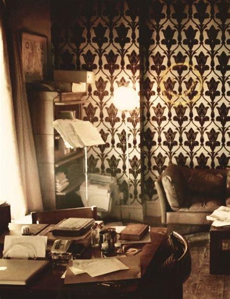 Sherlock Living Room Wallpaper by 17 Best Ideas About Sherlock Wallpaper On
