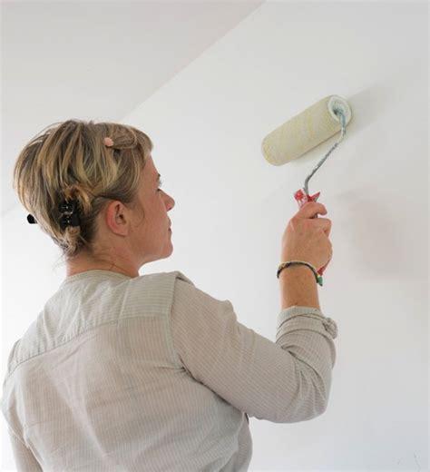 comment dessiner sur un mur de chambre peindre des pochoirs sur les murs