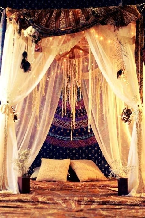 Boho Bed Canopy by Boho Chic Bedroom W Canopy Bed Bohemian Baby