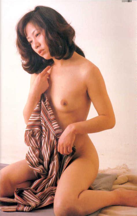 Asian Sirens · Topic Junko Miyashita 宮下順子
