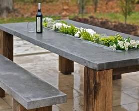 outdoor décor trend 26 concrete furniture pieces for your backyard digsdigs - Gartentisch Design