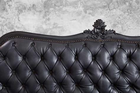 nettoyer un canapé en cuir avec du lait de toilette comment entretenir un canapé en cuir nos méthodes saines
