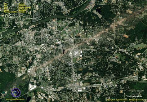 quickbird image tuscaloosa tornado satellite imaging corp