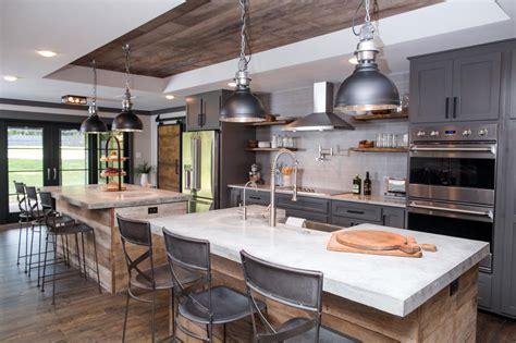 Fixer Upper Design Tips A Waco Bachelor Pad Reno Hgtv's
