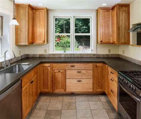 cleaning wood kitchen cabinets tips to cleaning kitchen cabinets with everyday items