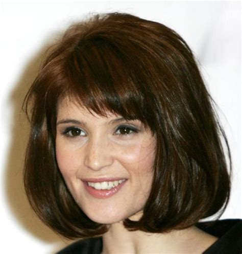 19 classic medium haircuts for bangs are flattering my style bob
