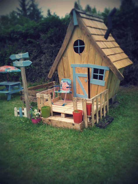 cabane enfants facon tim burton fairy tale kids pallet