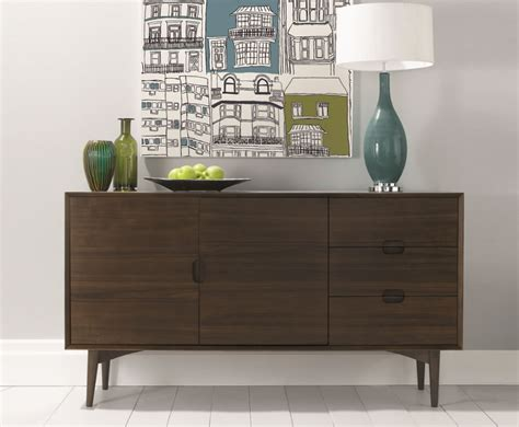 arm chair dining what 39 s the difference between a sideboard buffet credenza