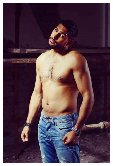 boxer amir khan shirtless pictures  pepe jeans pakistan